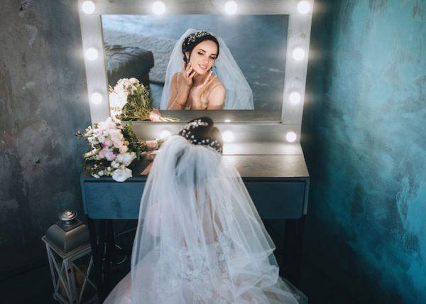Drum prüfe, wer sich ewig bindet: Versicherungen nach der Heirat