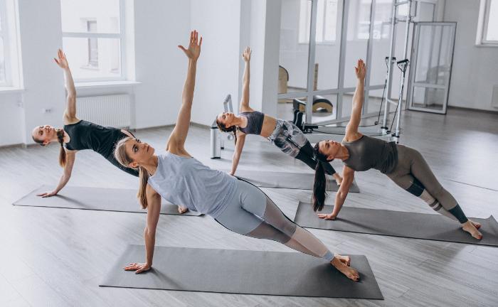 Gothaer Yoga group classes inside the gym